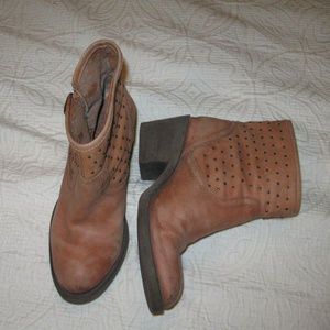 LUCKY BRAND BLOCKHEEL ANKLE BOOTS 6*FREESHIP